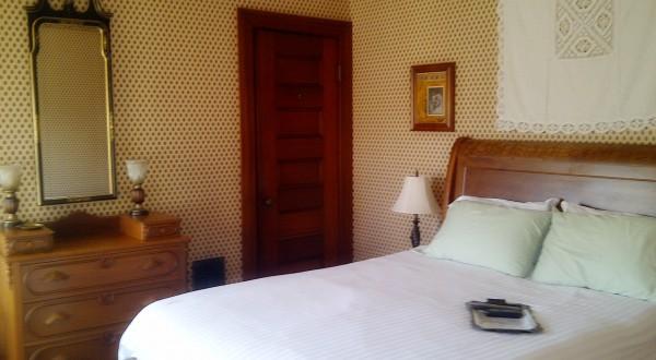 Cecilans-Room-1